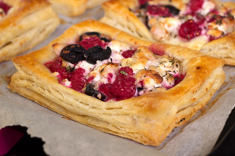 Goat's cheese and raspberry tart cooked