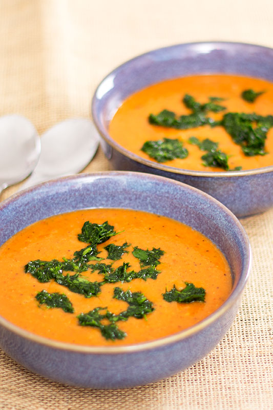 red pepper onion and lentil soup with parsley