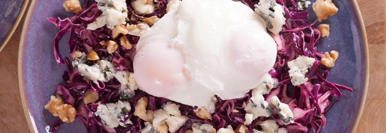 red cabbage egg roquefort walnut salad
