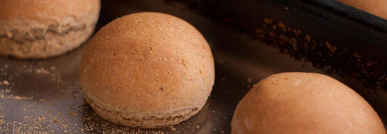 Za'atar spelt rolls in baking tray