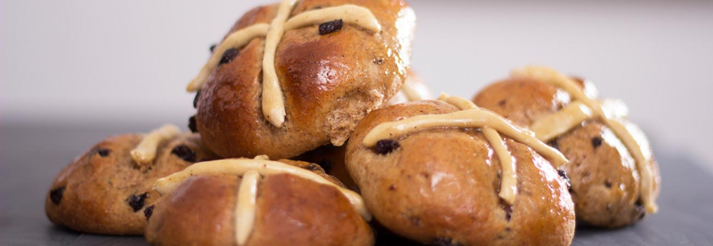 Spiced spelt flour hot cross buns