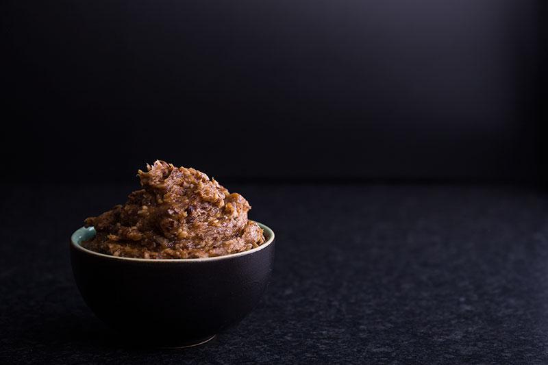coconut date vegan frosting