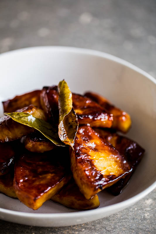 Make celeriac the most popular side dish on the table this year with my honey glazed celeriac recipe which sees this vegetable dish dripping with honey and rich, dark caramelised colours. Easily cooked in one pan on the stove, this vegetarian dish is just as good served up next to a piece of fish or meat.