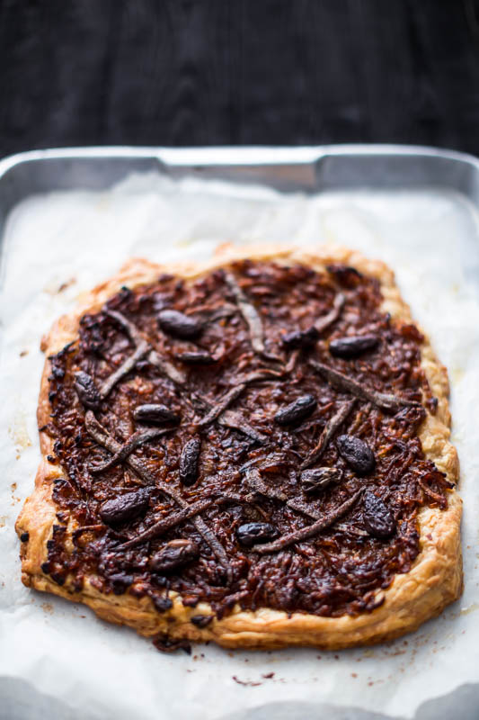 A beautiful French tart made with rich, sweet caramelised onions and topped with anchovies and kalamata olives, it's a welcome addition to any meal, picnic or sharing platter. The powerful flavours combine to make a taste sensation like only the French know how, so it's time for you to make room in your oven to bake a spelt Pissaladière!