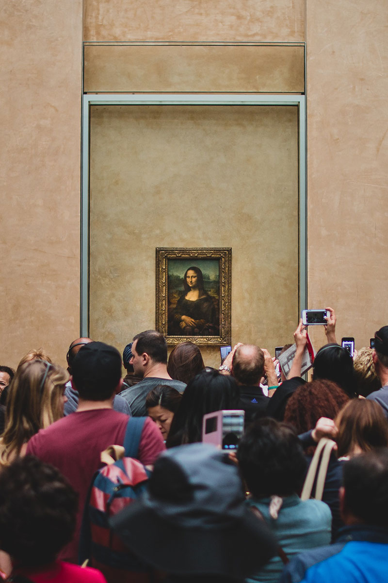 Bloggers are self seeking idiots and people taking photos of art, rather than looking.