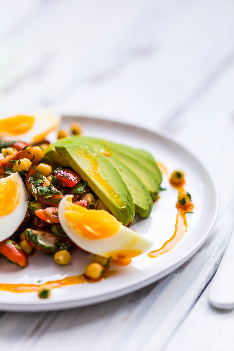A healthy chickpea salad dressed with sweet white balsamic and smoked paprika, diced avocado and aromatic coriander is a beautiful lunchtime treat that's bursting with mexican and middle eastern flavours. It's vegetarian and vegan to boot, a meatfree treat to have for lunch or dinner and tastes even better if you make it in advance!