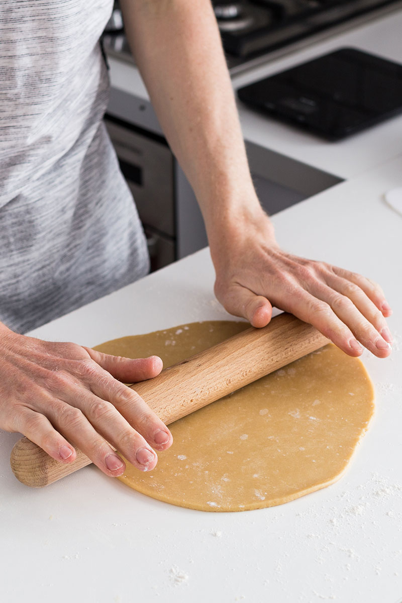 Today's recipe is spelt sweet shortcrust pastry, otherwise known as pâte sucrée, a staple ingredient for your culinary knowledge banks, a sweet base which can turn it's hand to many creations in the kitchen.